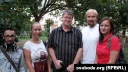 Амэрыканскі прафэсар Курт Вулхайзэр з маладымі гамельчукамі