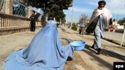 سروی: ۳۹ درصد افغانها زیر خط فقر زندهگی میکنند