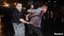 Разгон митинга оппозиции в Тбилиси в ночь на 26 мая 2011 г