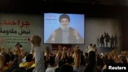 شورای حقوق بشر در ۲۴ خرداد ماه قطعنامهای را تصویب کرد که در آن استفاده از پیکارجویان خارجی در جنگ داخلی سوریه محکوم شده است (در تصویر: حسن نصرالله در حال سخنرانی برای هوادارانش)
