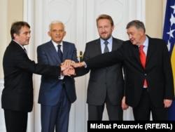 Jerzy Buzek sa članovima Predsjedništva BiH u Sarajevu, 4. novembra 2011