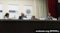Belarus — Gisela Wurm, Kent Harstedt, Ivana Dobešova, Tana de Zulueta of OSCE during press-conference in Minsk, 12sep2016