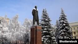 Площадь имени Калинина в Минске с памятником Михаилу Калинину. 2010-е