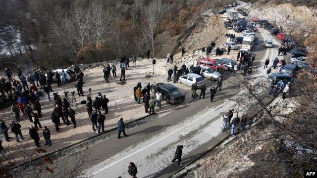 Srbi na Jarinju, 4. decembar 2012.