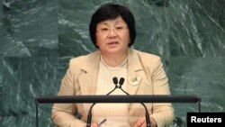 Кыргызстандын президенти Роза Отунбаева Улуттар Уюмунун жыйынында сөз сүйлөөдө. 22-сентябрь, 2010-жыл