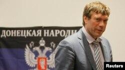 Далеко не все эксперты разделяют скепсис по поводу контактов Донбасса и Цхинвала. То, что происходило в Южной Осетии 20 лет назад, во многом похоже на сегодняшние события в Донецке и Луганске. Что касается отличий, то они не только в масштабах событий