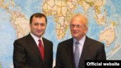Premierul Vlad Filat și congressman-ul Howard Brown