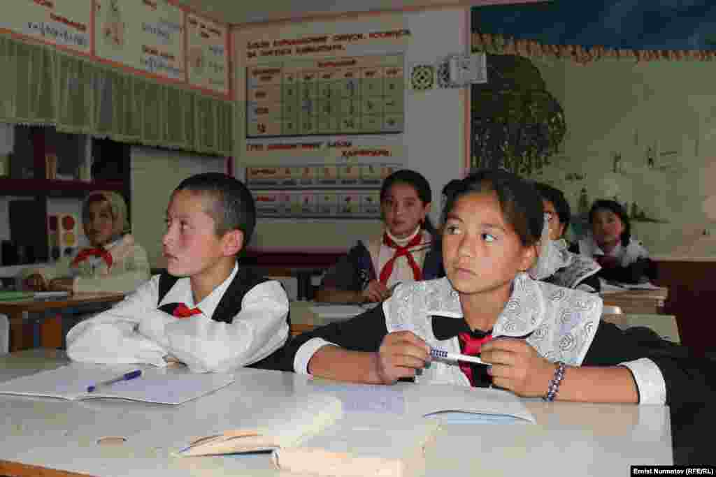 В Оше предлагают узбекские школы перевести на кыргызский язык обучения