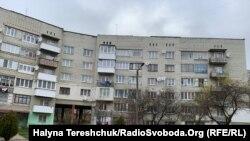 Люди мерзнуть у квартирах у Новому Роздолі і Новояворівську