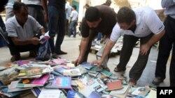 منظر مألوف في شارع المتنبي في بغداد