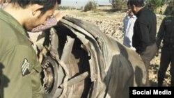 قطعات بزرگ موتور هواپیما که در اطراف اسلامشهر سقوط کردهاند.