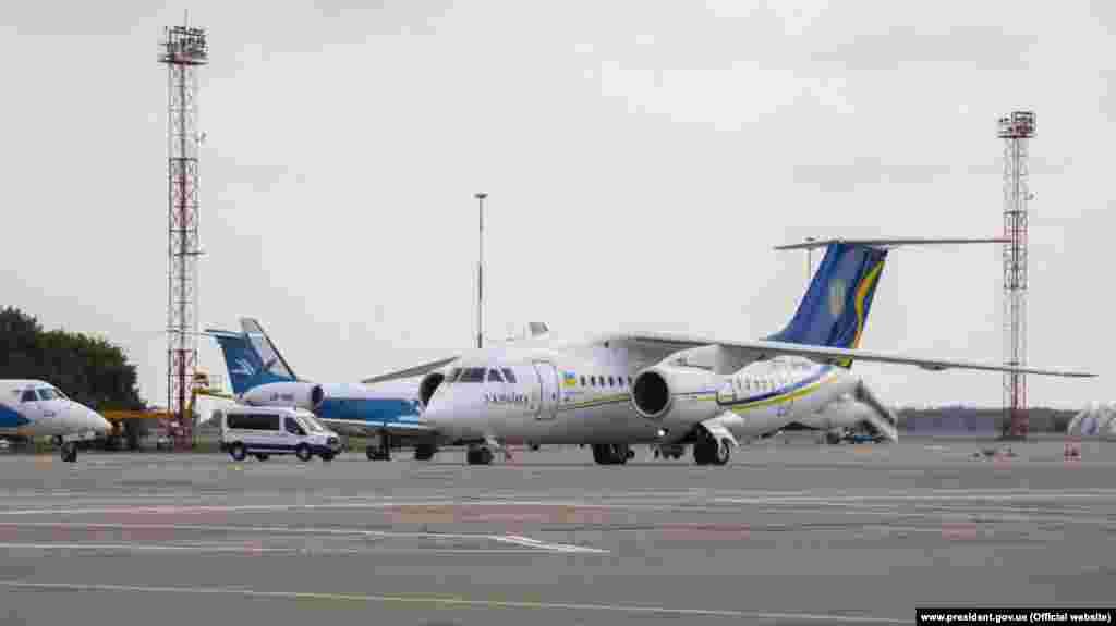 Самолет с украинцами приземлился в аеропорту «Борисполь»
