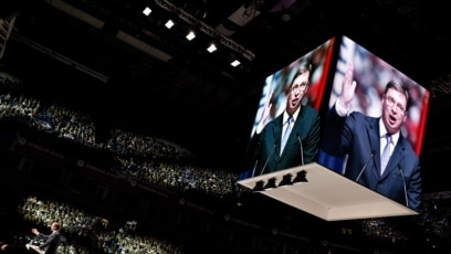 Televizija Pink prenela je kompletnu 65-minutnu pre-konferenciju predsednika Srbije Aleksandra Vučića, 11. avgust 2019.