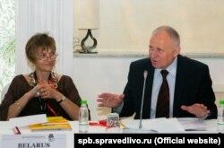 Марына Адамовіч і Мікола Статкевіч