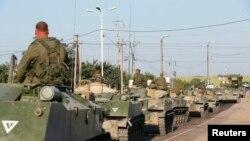 Російська військова техніка неподалік від кордону з Україною