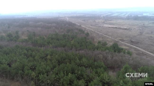 Клинцівське золоте родовище географічно розташоване між селами Калинівка та Клинці