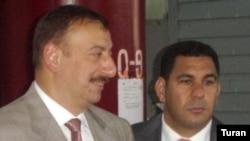 Фархад Алиев (справа) с президентом Ильхамом Алиевым