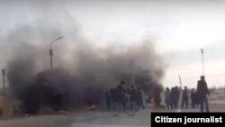 Акция протеста жителей села «Шортанбай» в Нукусском районе Каракалпакстана. Кадр из видеозаписи.