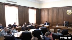 Armenia - Prime Minister Tigran Sarkisian presents his government's draft budget for 2012 to lawmakers, 1Nov2011.