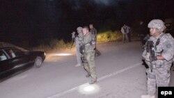 Косово-Сербия чегарасидаги НАТО кучлари.