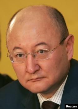 Олтинбек Сарсенбайулӣ