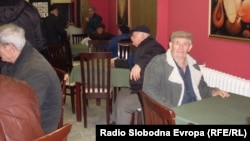Архивска фотографија: Пензионери во Битола.