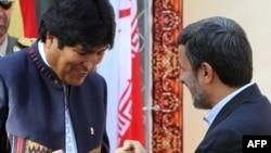 Боливискиот претседател Моралес во Техеран на средба со неговиот ирански колега Ахмадинеџад