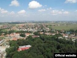 Вид на селище згори (Фото з сайту www.dolnibrezany.cz)