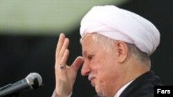 آقای رفسنجانی می گوید که محمد البرادعی در گزارش خود خلوص نیت به خرج نداده است. (عکس از فارس)