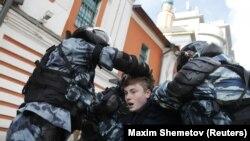 Задержание на акции в Москве 10 августа 2019 года