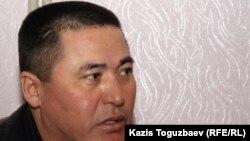 Оразалы Мамбетназаров - старший брат Оразая Мамбетназарова, погибшего в дни декабрьских событий в Жанаозене. 17 февраля 2012 года