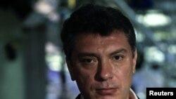 Boris Nemsow telekanalda eden çykyşyndan soň, Moskwa, 20-nji dekabr, 2011.
