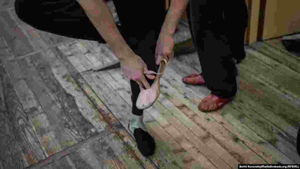 Національний заслужений академічний ансамбль танцю України імені Павла Вірського відлічує свою історію з 1937 року