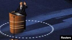 Președintele Barack Obama adresîndu-se participanților la Convenția Națională Democrată la Charlotte