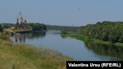 Nistru văzut de la Varnița