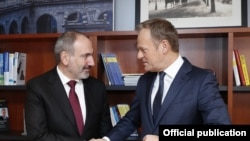 Armenian Prime Minister Nikol Pashinian and EPP President Donald Tusk during their meeting in Brussels, Belgium, March 9, 2020