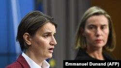 Премиерката на Србија Ана Брнабиќ и шефицата на европската дипломатија Федерика Могерини, Брисел, 16,11,2017.