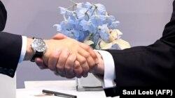 Рукопожатие Владимира Путина и Дональда Трампа. Гамбург, 7 июля