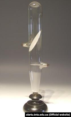 Одна з ламп, які винайшов Іван Пулюй, і за допомогою яких вчений відкрив Х-промені