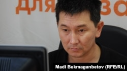 "The article in ""Ural Week"" was written by award-winning journalist Lukpan Akhmediarov."