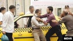 به گزارش سازمان پزشکی قانونی ایران، در هفت ماه سال ۹۴، هر دقیقه بیش از یک نفر به دلیل نزاع به مراکز این سازمان مراجعه کردهاست