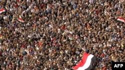 Protestat në sheshin Tahrir, 4 shkurt 2011.