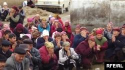 Джалал-Абад ауданында өткен Ақсы құрбандарын еске алу шарасы. 17 наурыз 2009 жыл.