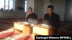 Кыргызстандагы медреселердин бири. Иллюстрациялык сүрөт.