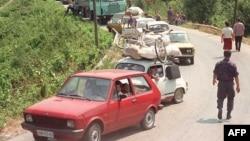 Konvoj krajiških izbeglica iz Hrvatske nakon Oluje 1995. godine