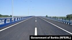Rekonstruisani auto put kod Beograda.