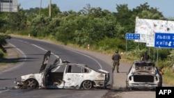 Згорілі авто після перестрілки у Мукачеві, 11 липня 2015 року