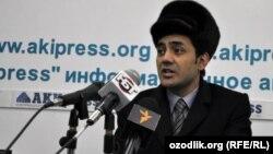 Абдулла Юсупов маалымат жыйынында. Бишкек, 27-январь, 2011.