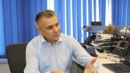 Igor Boțan în biroul Europei Libere de la Chișinău