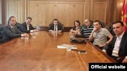 Архивска фотографија - Премиерот Зоран Заев, се сретнаа со претставници на ЗНМ и ССНМ. 16 јуни 2017